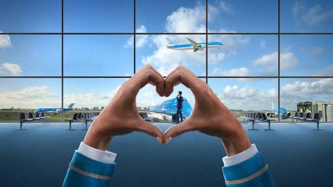 KLM делает подарки пассажирам в честь 25-летия полетов в Киев