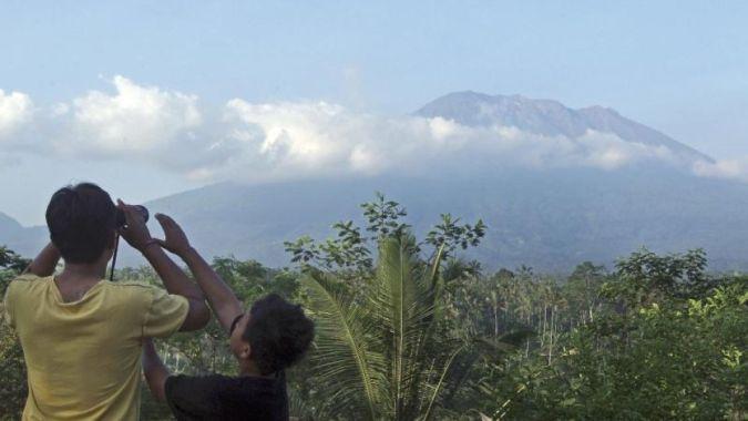 На Бали проснулся вулкан Агунг: карта онлайн-извержений