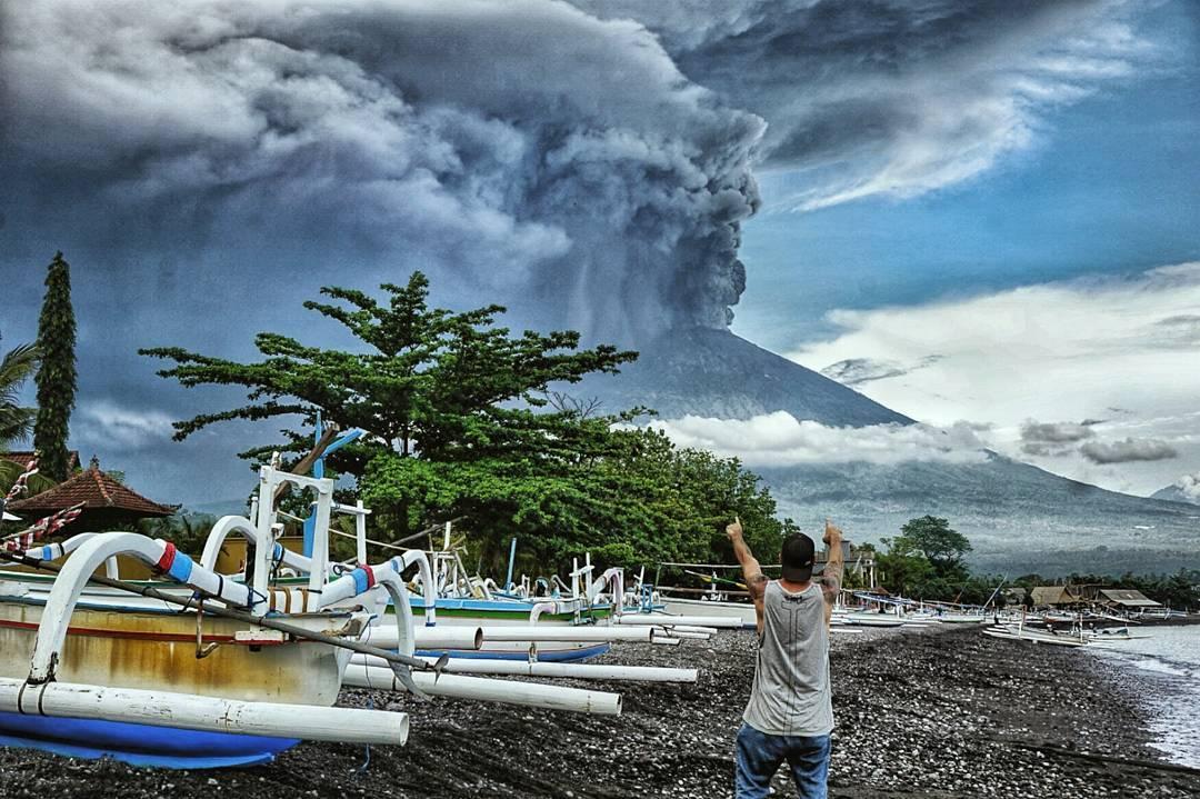 Министерство туризма Индонезии подробно рассказало о ситуации на Бали, дав туристам советы