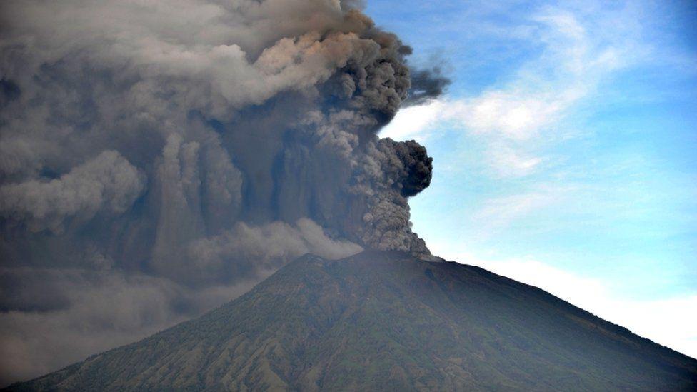 Роспотребнадзор дал туристам рекомендации в связи с ситуацией на Бали