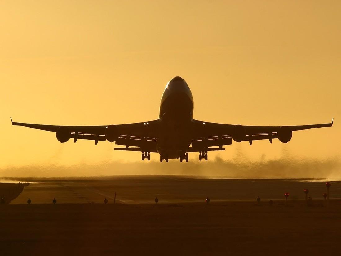 Отлучение от чартеров: Минтранс разработал санкции за задержки рейсов, туроператоры могут остаться без перевозки