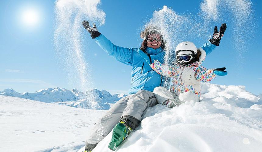 Обильные снегопады в Красной Поляне привлекли первых горнолыжников