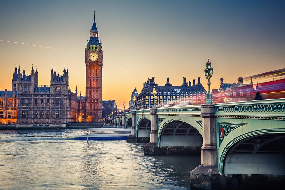 Слабый фунт привлёк в Великобританию рекордное число туристов
