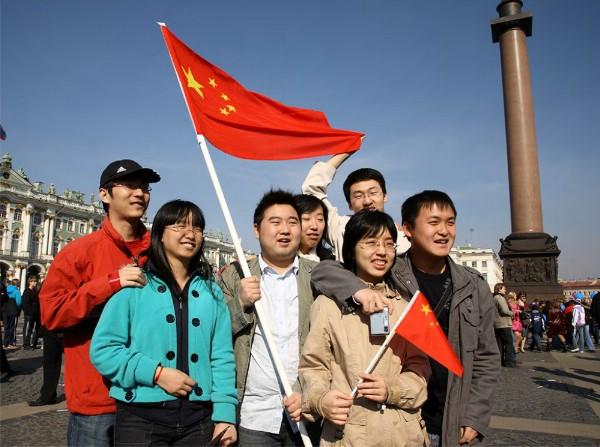 Для принимающих туристов из КНР туроператоров хотят повысить размер финобеспечения