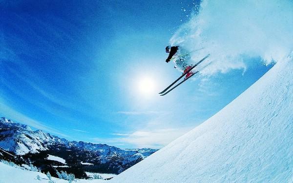 Более 60% российских горнолыжников проведут зимние каникулы на отечественных курортах