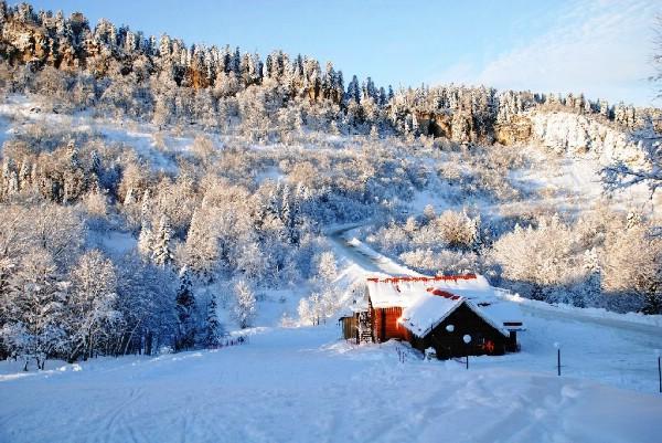 Адыгея примет на новогодние каникулы порядка 100 тыс. туристов и экскурсантов