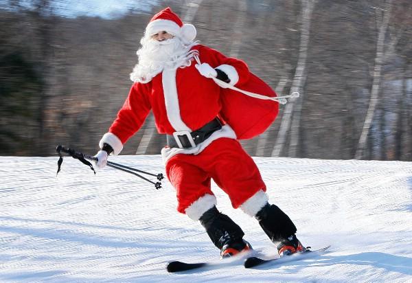 Массовый спуск Дедов Морозов и Снегурочек пройдет на курорте