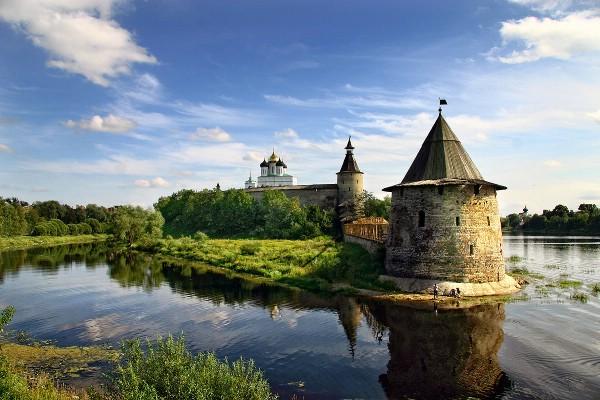 Проект «Серебряное ожерелье» привлек в Псковскую область 12 тыс. туристов