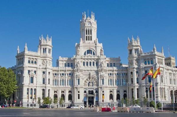 Турпоток из России в Испанию за 11 месяцев вырос на 14%